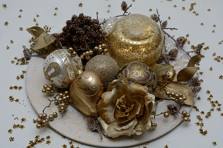 gold christmas ornaments on white plate - White And Gold Christmas Ornaments