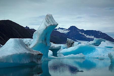 ice bergs during daytime