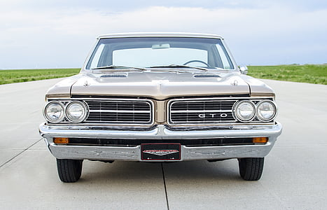 classic silver Pontiac GTO