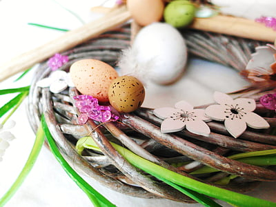 round brown and green wooden wreath
