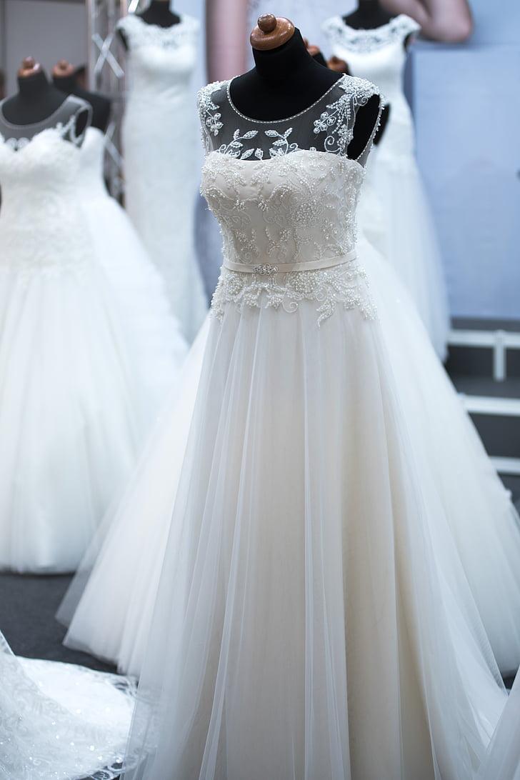 white floral sleeveless wedding gown