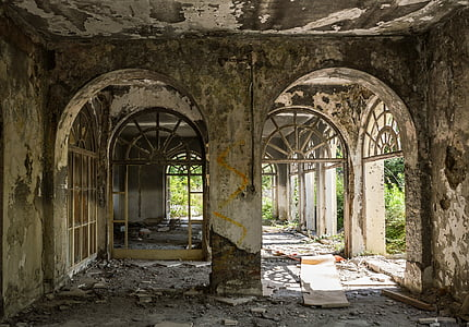 inside the wreck building