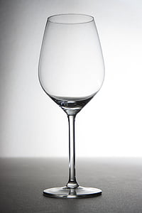 shallow focus photography of wine glass