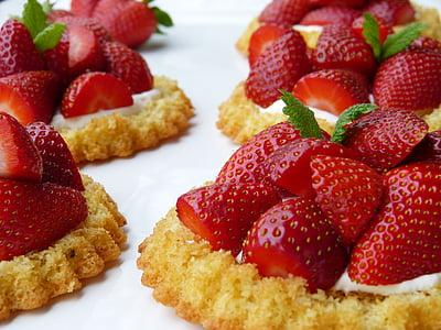 slice of strawberries