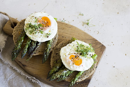 bread with egg