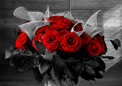 selective color of red rose bouquet