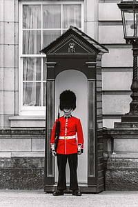 selected color photography of queens guard